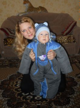 на прогулку только с мамой;))